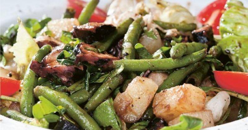 რვაფეხას სალათი –  მოხარშული კარტოფილით და  ფრანგული მწვანე ლობიოთი