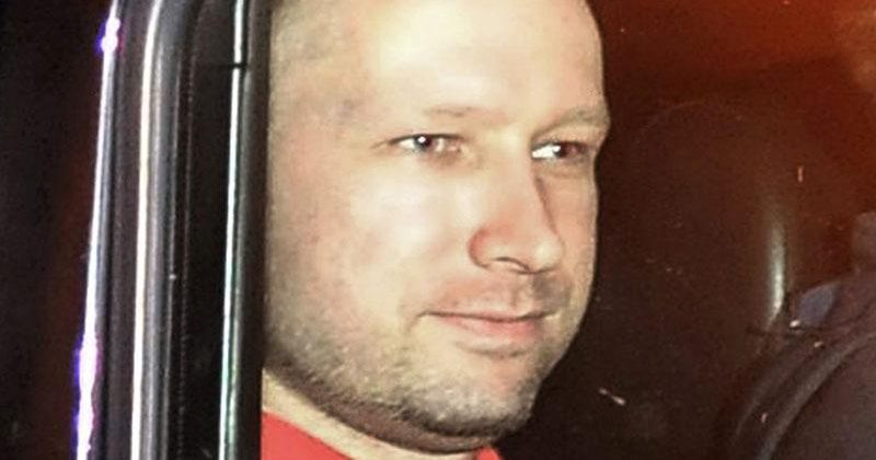 პოლიციამ ანდერს ბრეივიკი  დანაშაულის ადგილას დაკითხა