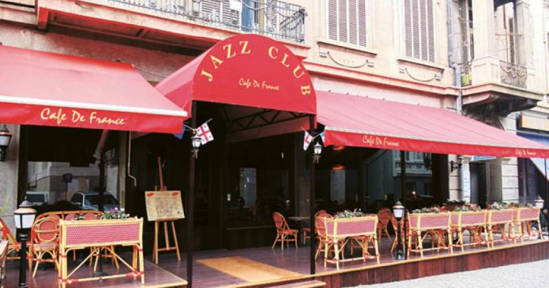 Café De France – ჯაზი და კარამელი