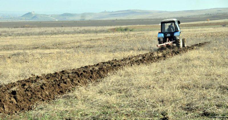 პარლამენტმა უცხოელებისთვის მიწის მიყიდვაზე მორატორიუმი გამოაცხადა