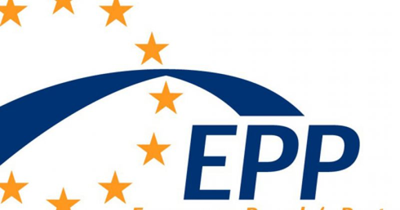 EPP შეშფოთებულია ყველა პრო-დასავლური მინისტრის გადადგომით