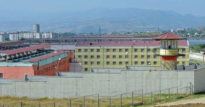 ომბუდსმენი: დასუფთავებაზე მომუშავე პატიმართან კონტაქტის მერე პატიმრები თავს იზიანებენ