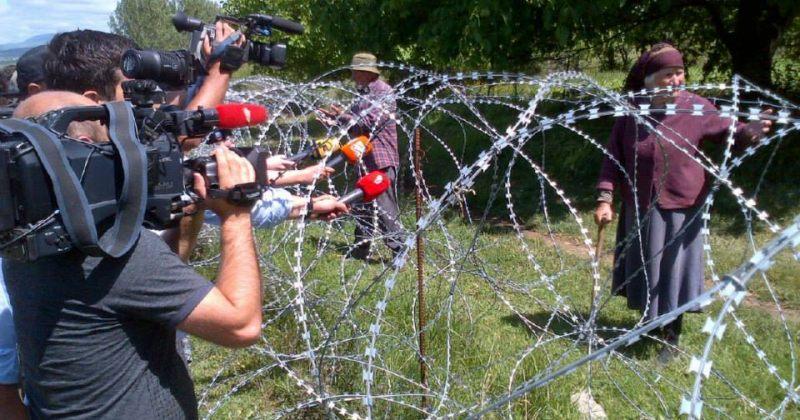 ქარელის რაიონში რუსი სამხედროები მავთულხლართებს ამონტაჟებენ