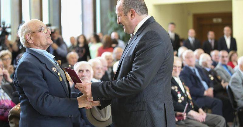 პრეზიდენტმა მეორე მსოფლიო ომის ვეტერანებს სახელმწიფო ჯილდოები გადასცა