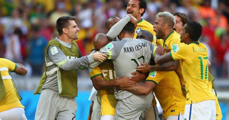 ბრაზილიის ნაკრების ფეხბურთელები მეოთხედფინალში გასვლას ზეიმობენ