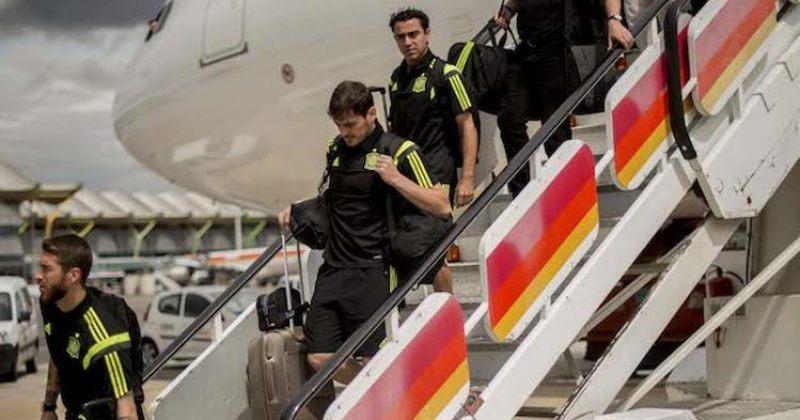 ესპანეთის ნაკრების კუთვნილ თვითმფრინავს მეხი დაეცა