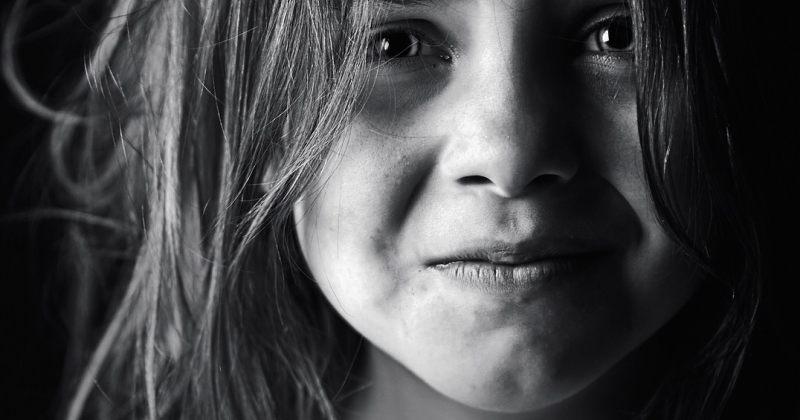 ბავშვებზე ძალადობისთვის ბაღის აღმზრდელის თანაშემწეს პირობითი სასჯელი შეეფარდა