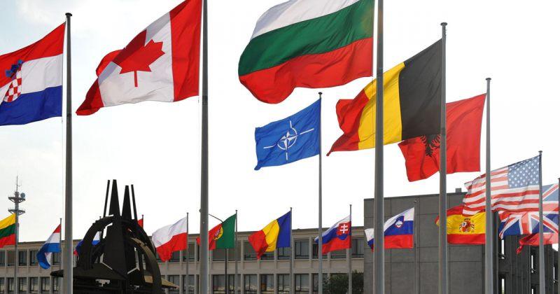 NATO რუსეთის შესაჩერებლად ბალტიისა და შავი ზღვის რეგიონების გაძლიერებაზე მსჯელობს