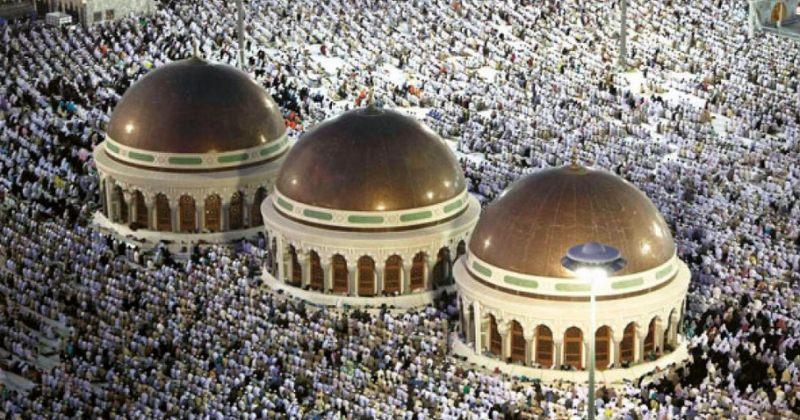 მუსლიმები ყურბან-ბაირამს, ანუ მსხვერპლშეწირვის დღესასწაულს აღნიშნავენ