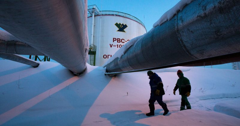 ნავთობის ფასების ვარდნის გამო რუსული რუბლი კიდევ გაუფასურდა