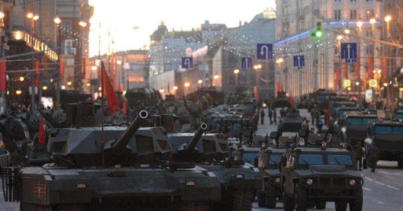 აღლუმის რეპეტიციაზე მოსკოვში უახლესი რუსული სამხედრო ტექნიკა გამოჩნდა