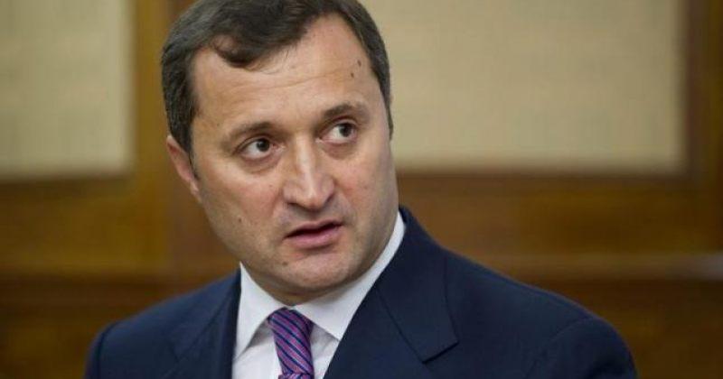 მოლდოვის ყოფილი პრემიერმინისტრი პარლამენტში დააკავეს