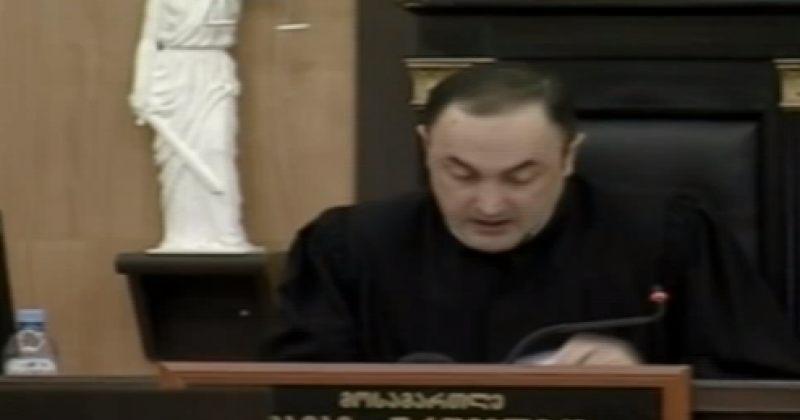 რ2: მოსამართლეობის შემთხვევაში ურთმელიძე სიტყვის თავისუფლების შეზღუდვას ეცდება