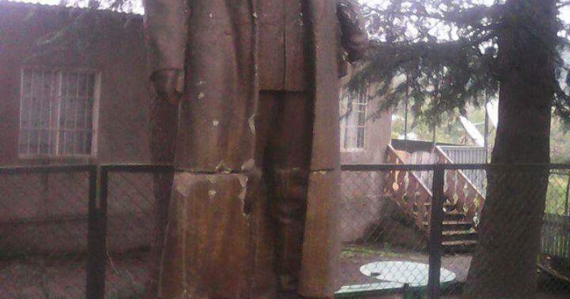 ენმ-ის ზესტაფონის ოფისი: დაბა შორაპანში სტალინის ძეგლი აღადგინეს