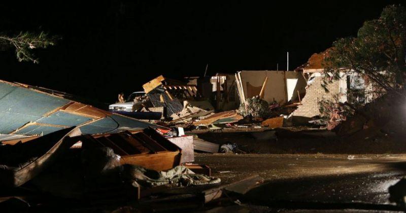 ტორნადომ ალაბამასა და მისისიპიში ათობით სახლი გაანადგურა