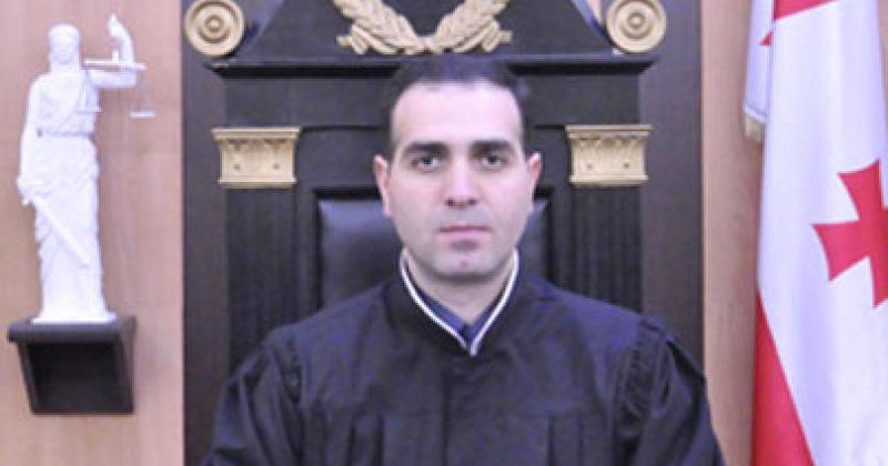 მოსამართლე გვენეტაძეს: დაინტერესდით ახვლედიანის ჯანმრთელობით ან მივლინებებით