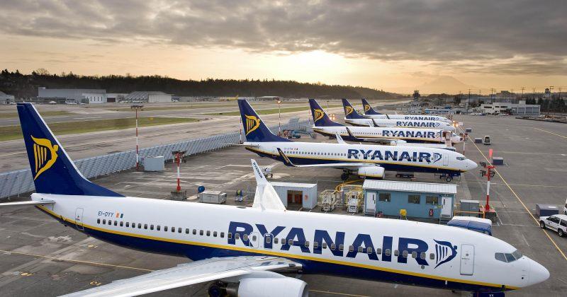 Ryanair ბორტზე 2 ჩანთის ატანის უფლებას დამატებითი თანხის გადახდის შემთხვევაში მოგცემთ