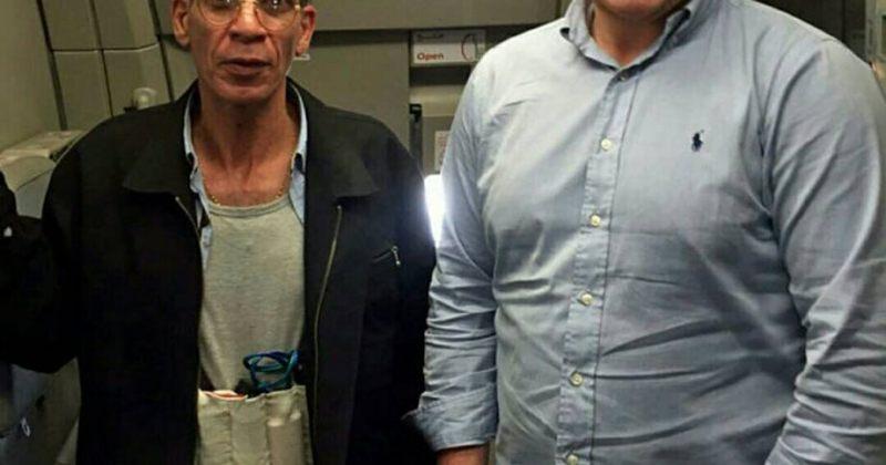 """ბრიტანელმა მგზავრმა თვითმფრინავის გამტაცებელთან """"სელფი"""" გადაიღო"""