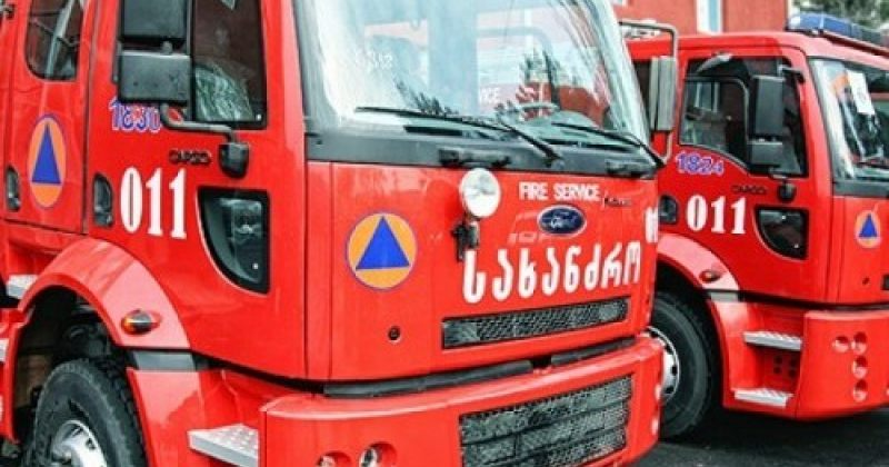 კორპუსში გაჩენილი ხანძრისას, კვამლით 10 ადამიანი მოიწამლა, მათ შორის 5 - ბავშვი