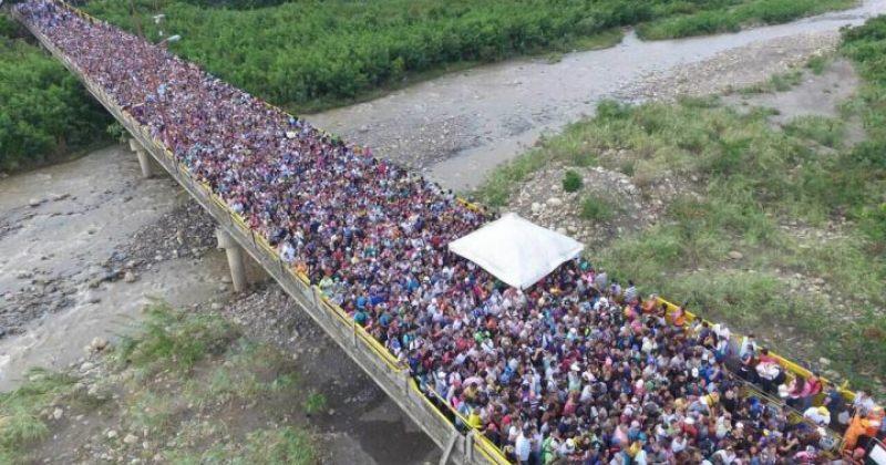 ვენესუელის მოქალაქეები საჭმლისა და მედიკამენტების საყიდლად კოლუმბიაში გადადიან