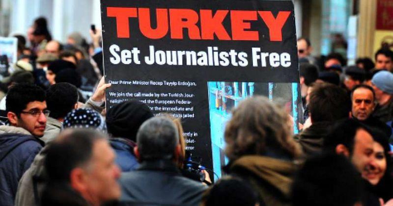 გადატრიალების მცდელობასთან კავშირის ბრალდებით, თურქეთში 85 ჟურნალისტი დააკავეს