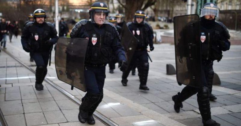 პარიზში სამართალდამცველების მხრიდან ძალადობის გამო აქციები მეორე კვირაა გრძელდება