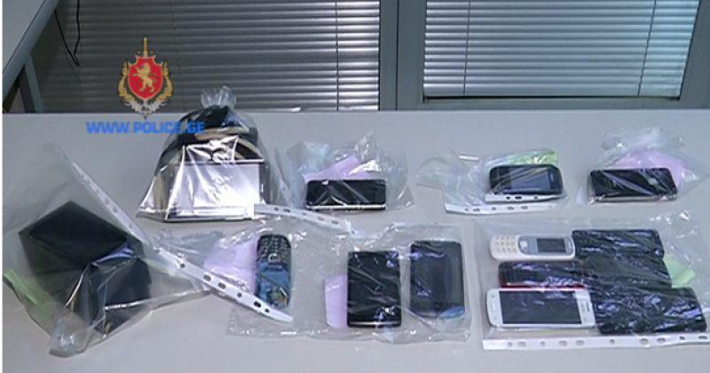 შსს: ნაქურდალი მობილური ტელეფონები და ფოტოაპარატი ამოვიღეთ