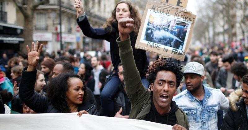პარიზში სამართალდამცველებსა და საპროტესტო აქციის მონაწილეებს შორის შეტაკება მოხდა