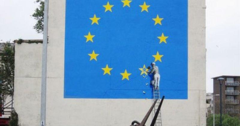 ბენკსის პასუხი Brexit-ს - ევროკავშირის დროშა ერთით ნაკლები ვარსკვლავით