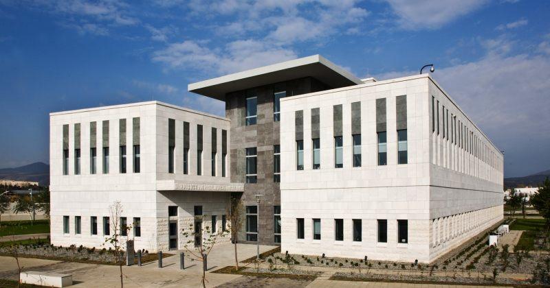 აშშ-ს საელჩო კაპიტოლიუმში შეჭრაზე: ამერიკის ინსტიტუტები მყარად დადგა, წესრიგი აღდგა