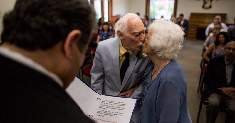 98 წლის ქალის და 94 წლის კაცის სპორტდარბაზში დაწყებული სიყვარული ქორწინებით დასრულდა