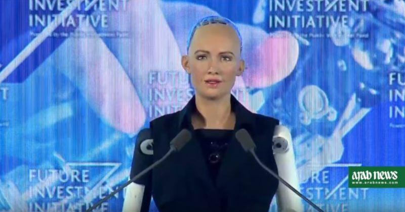 პირველად ისტორიაში საუდის არაბეთმა რობოტ ქალს მოქალაქეობა მიანიჭა