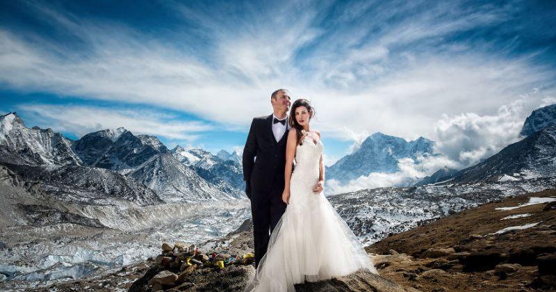 3 თვიანი ექსპედიციის შემდეგ, წყვილმა ევერესტზე იქორწინა