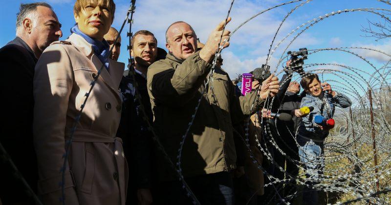 პრეზიდენტი: მავთულხლართები დაინგრევა არა სამხედრო ძალით, არამედ მომავლის იმედით