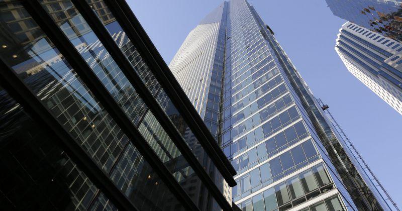 სან-ფრანცისკოში 58-სართულიანი ცათამბჯენი მიწაში იძირება და ცალ მხარეს იხრება
