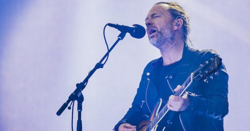 ტომ იორკმა სოლო კონცერტზე ახალი სიმღერა - I am a Very Rude Person შეასრულა