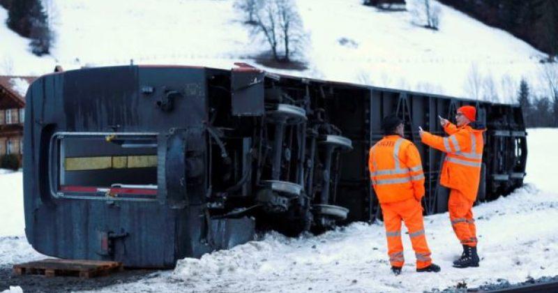 ევროპაში შტორმის და ძლიერი ქარის გამო 3 ადამიანი დაიღუპა