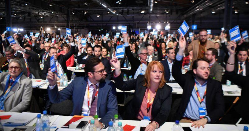 მერკელის ქრისტიან დემოკრატებმა სოციალ-დემოკრატებთან კოალიციას მხარი დაუჭირეს