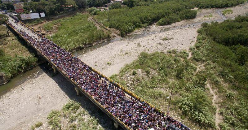 ვენესუელადან კოლუმბიაში გადასვლას ათასობით ადამიანი ცდილობს