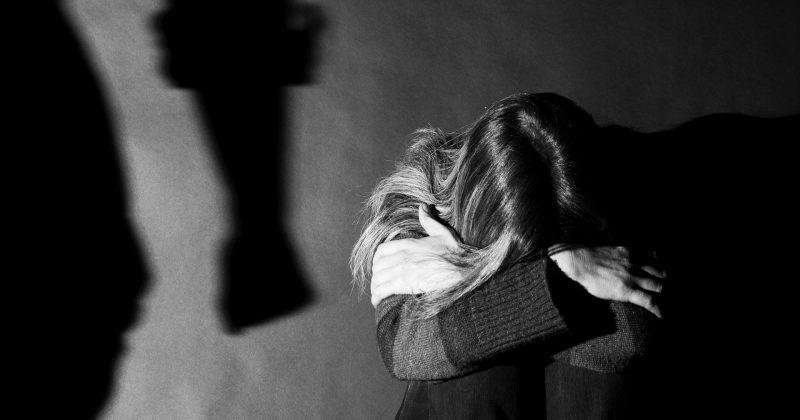 საია: ოჯახში ძალადობის მსხვერპლი ქალის მიმართ პროკურატურამ დევნა დაიწყო