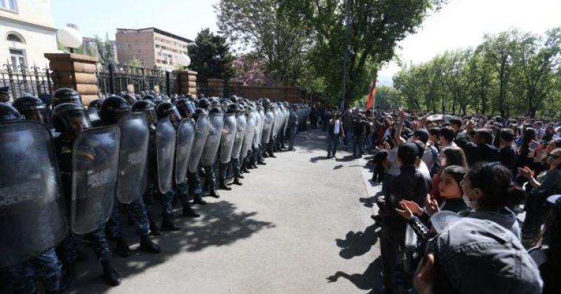 სომხეთი სერჟის გარეშე - ერევანში საპროტესტო აქციაზე 66 ადამიანი დააკავეს