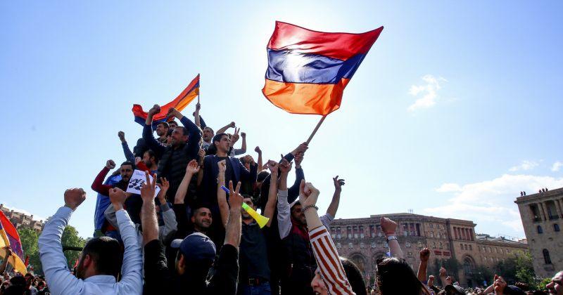 სომხეთის რევოლუცია და ქართული პარალელები