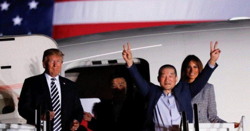 დონალდ და მელანია ტრამპები ჩრდ. კორეის პატიმრობიდან გათავისუფლებულებს დახვდნენ