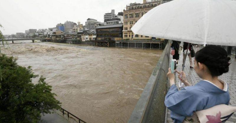 წყალდიდობის გამო იაპონიაში 2 ადამიანი დაიღუპა, 210 000-მდე ევაკუირებულია