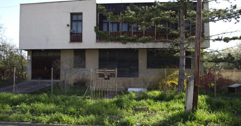 სლოვაკეთში დააპატიმრეს ქალი, რომელიც 16 წელი მეზობლებს ვერდის ოპერას ასმენინებდა