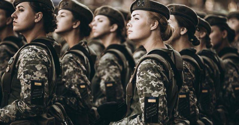 ქალი სამხედროები უკრაინის დამოუკიდებლობის დღისადმი მიძღვნილ აღლუმზე [ფოტოები]