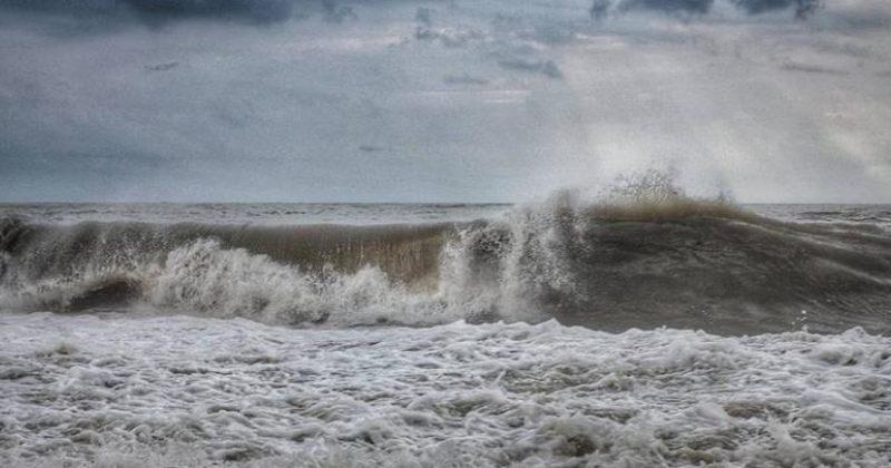შავი ზღვის სანაპიროზე მოსალოდნელი შტორმის გამო ზღვაში შესვლა აკრძალულია
