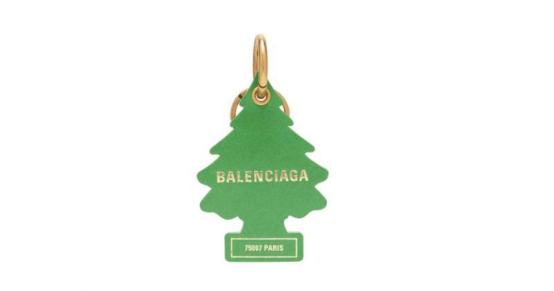 BALENCIAGA-მ ჰაერის გამწმენდი ხის ბრელოკი გამოუშვა, რომელიც $267 ღირს