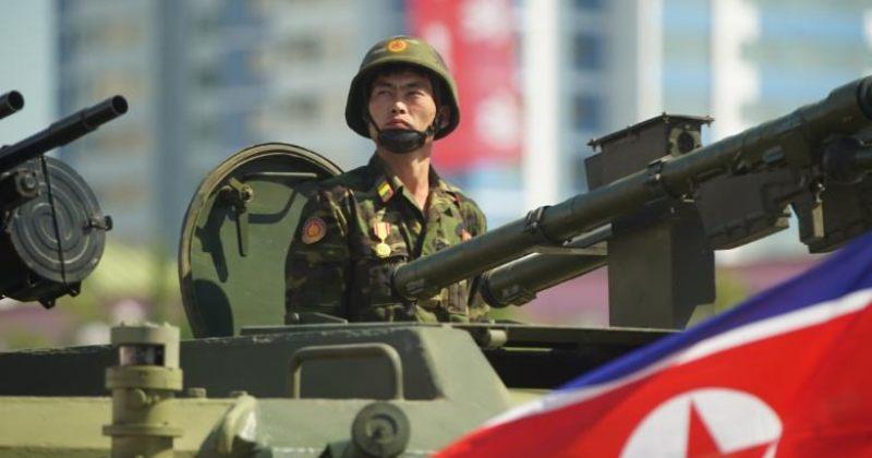 ჩრდილოეთ კორეაში სამხედრო აღლუმი ბირთვული რაკეტების გარეშე გაიმართა [ფოტოები]