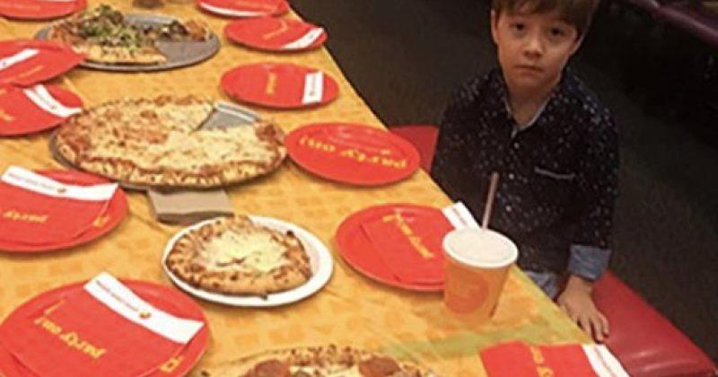 6 წლის ბიჭის დაბადების დღეზე 32 დაპატიჟებული ადამიანიდან არც ერთი არ მივიდა